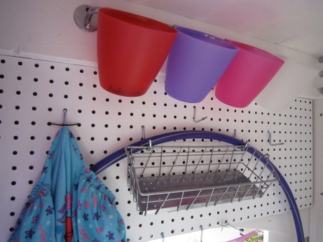 Bygel Rail/Cups and Pegboard